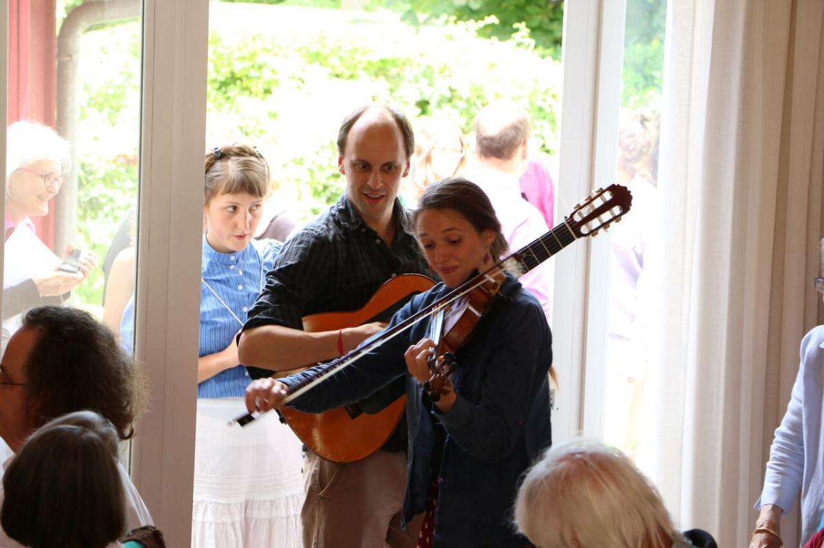 Accordons nos violons